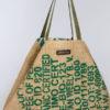 Bolso con decoración en verde